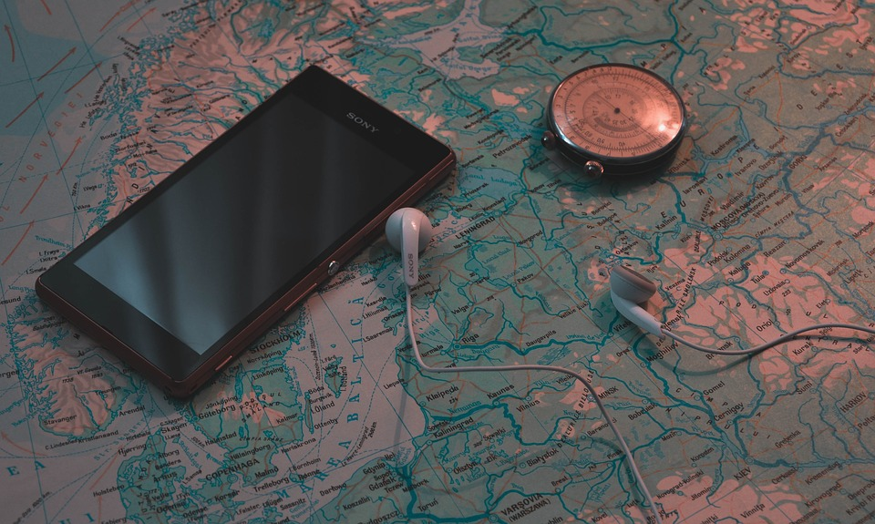 travel phone hacks and gadgets